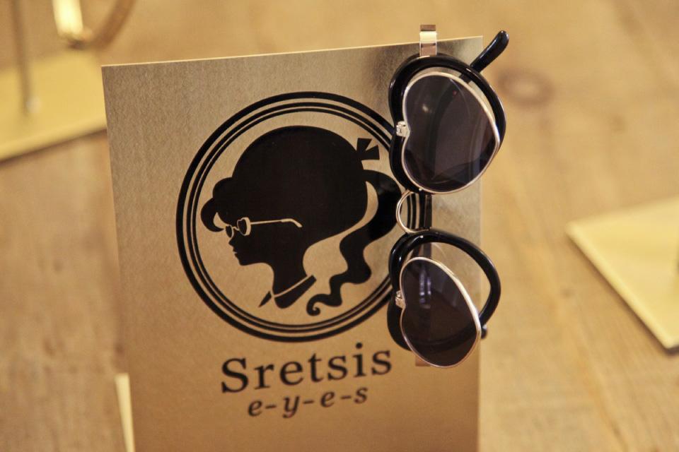SRETSIS ABRIGED PRESS FILE-14